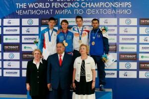 tiberiu dolniceanu cu medalia de bronz la Kazan