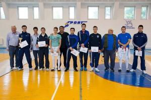 podium cu antrenori