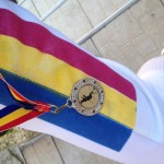 super poza cu medalia si tricolorul