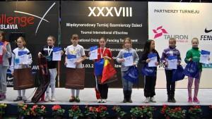 Karina Vasile, locul 1 la 8-11 ani si Denisa Velica, locul 3