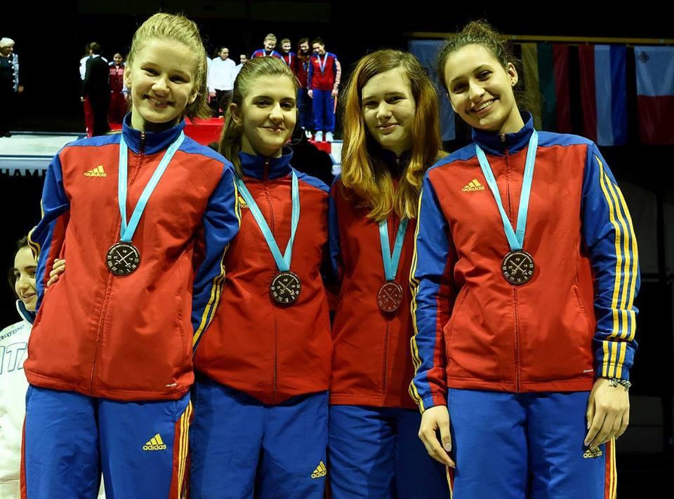 Benea-Predescu-Schlier-si-Barosan-pe-podium-la-CE-Novi-Sad-2016-2